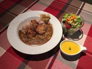 Curry + Ayam Goreng + Salad + Soup set